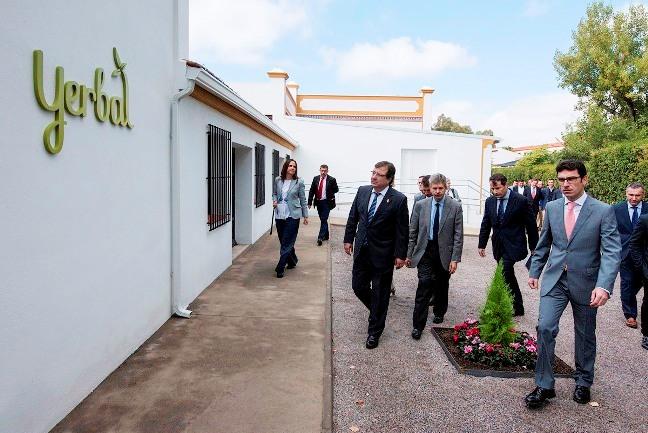 El Presidente de Extremadura inaugura las nuevas instalaciones de Yerbal