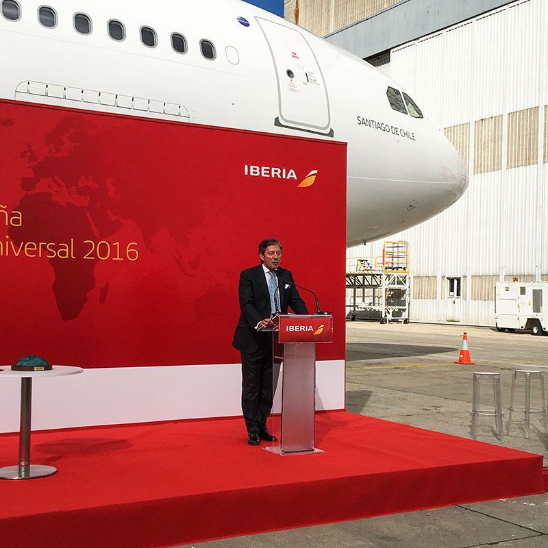 El periodista Jesus Álvarez durante la entrega del premio Español Universal 2016 a Iberia