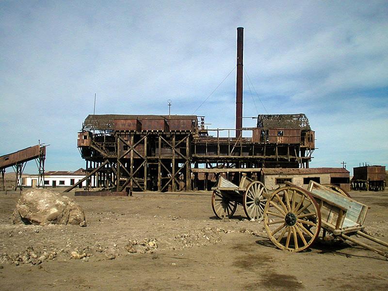 Oficinas salitreras de Humberstone y Santa-Laura