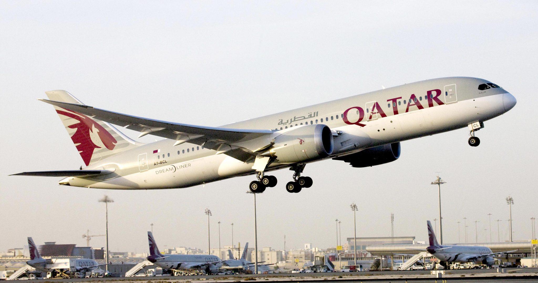 Despegue de un avion de Qatar airways