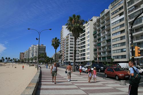 Rambla-de-Pocitos-en-Montevideo