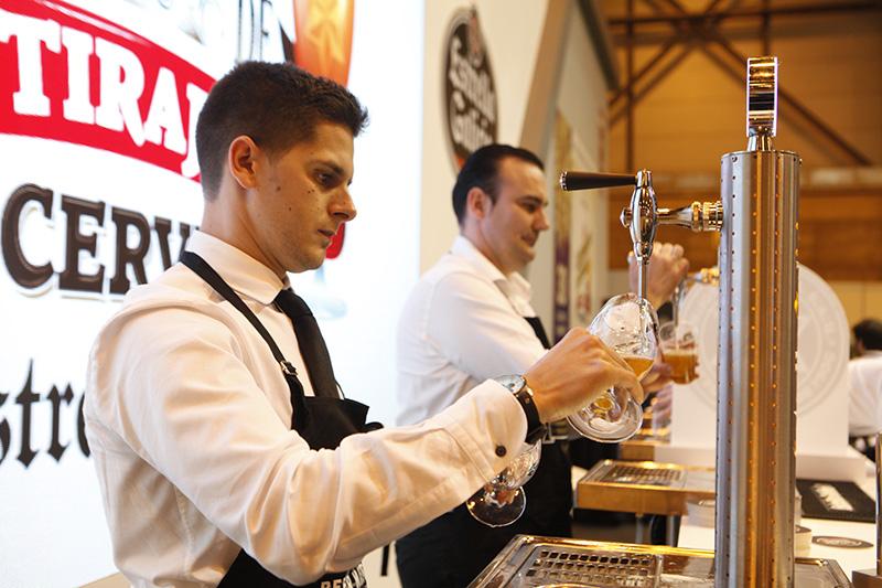 Concurso de tiraje de cerveza de estrella galicia