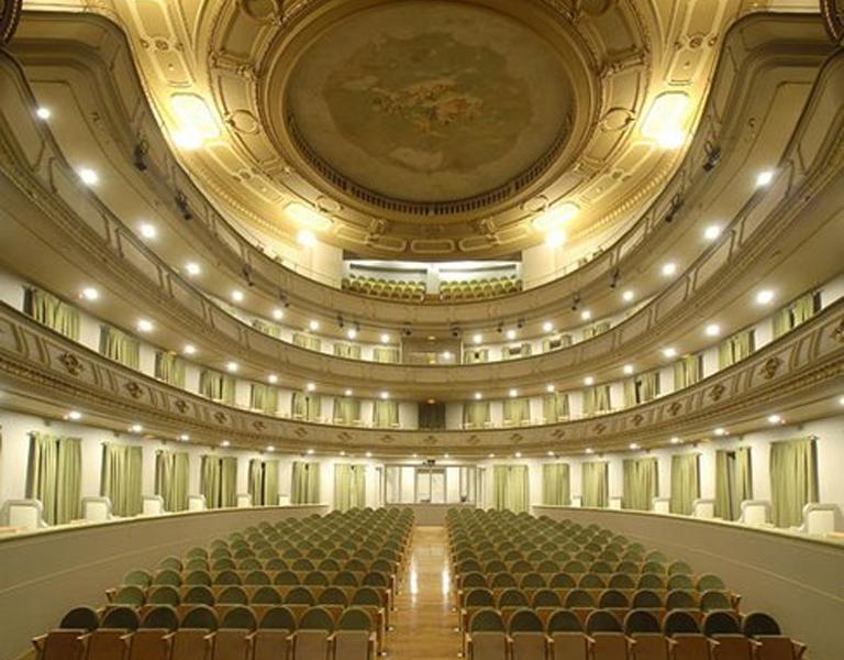 Interior del teatro Jofer de Ferrol
