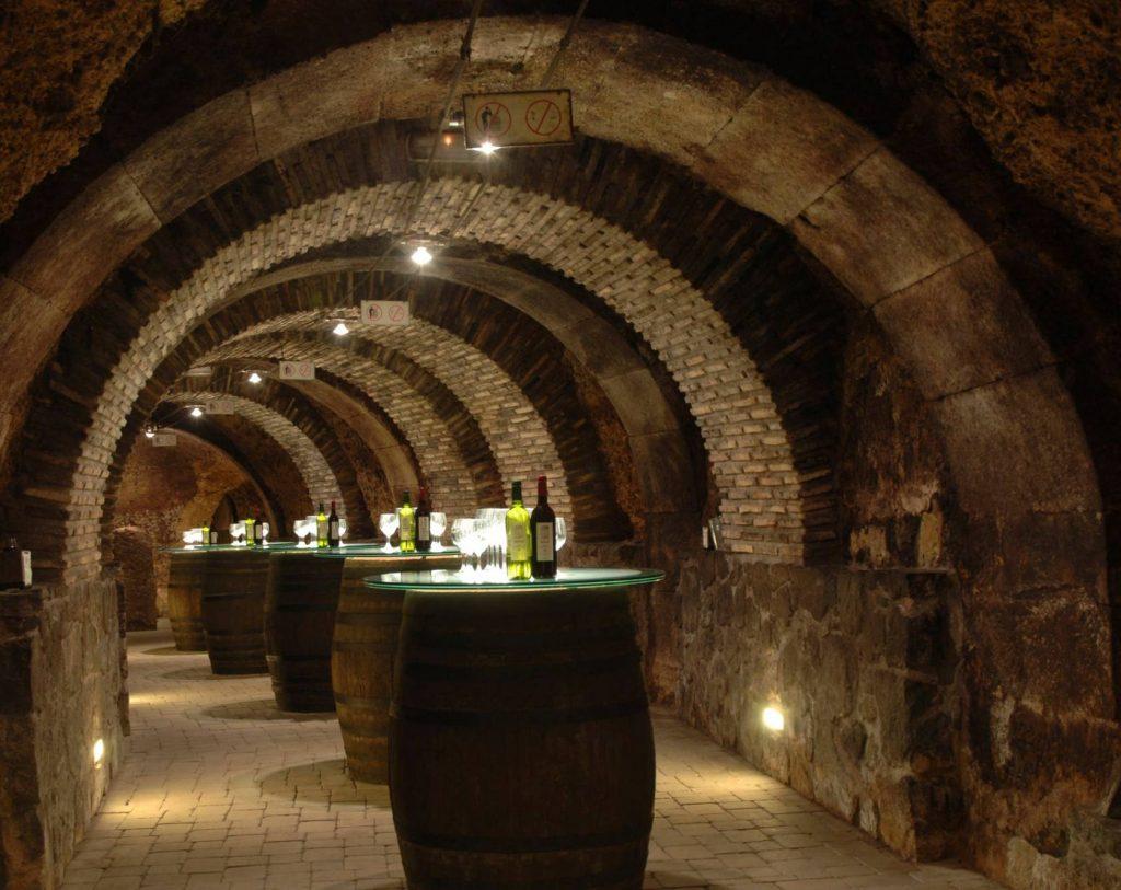 Bodegas subterraneas en  Laguardia
