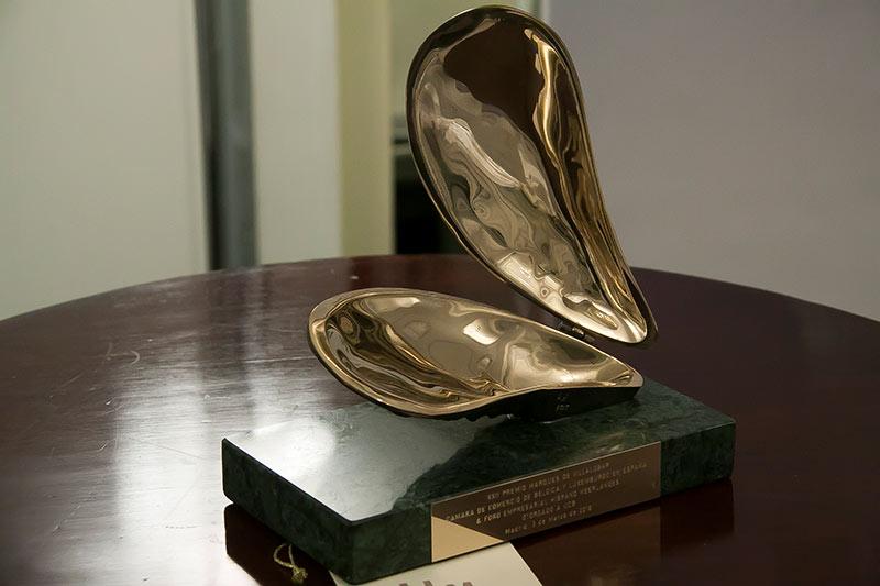 Estatuilla del Premio Marqúes de Villalobar