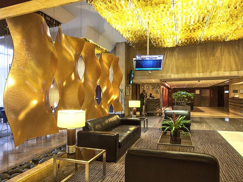 Lobby del Sercotel Toscana Plaza de Bogotá