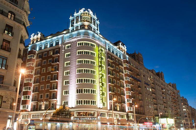 Fachada del Hotel Emperador en la Gran Vía de Madrid