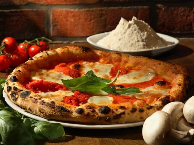 Campania auténtica pizza napolitana