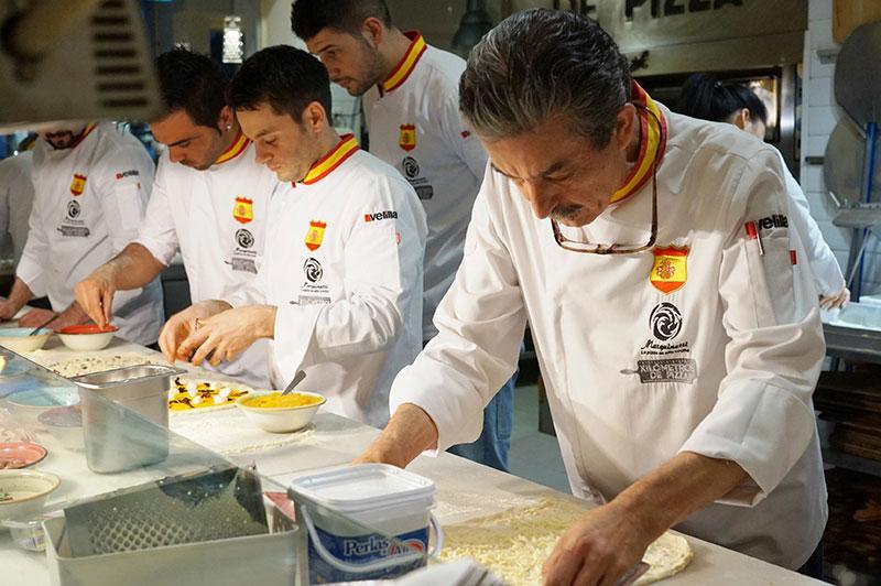 La Selección Española de Pizza se prepara para el Campeonato Mundial en Kilómetros de Pizza