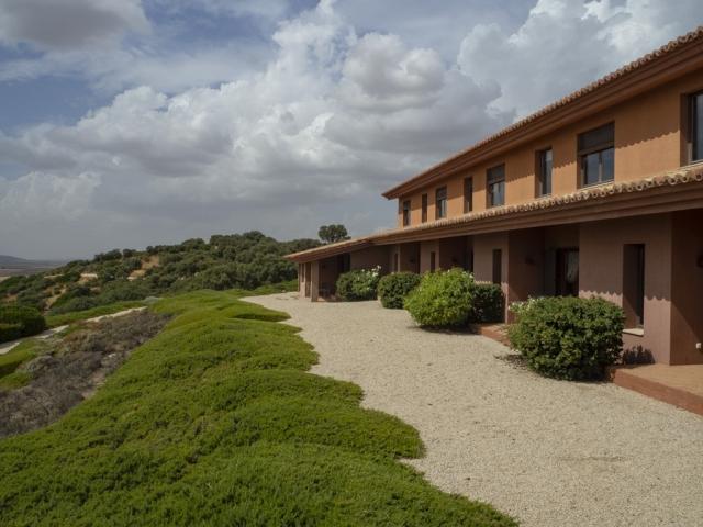 Habitaciones, las inferiores con terraza que dan al jardín