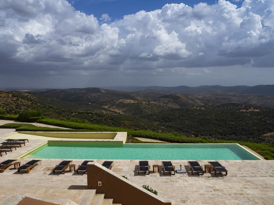 Un autentico paraíso con una piscina infinita