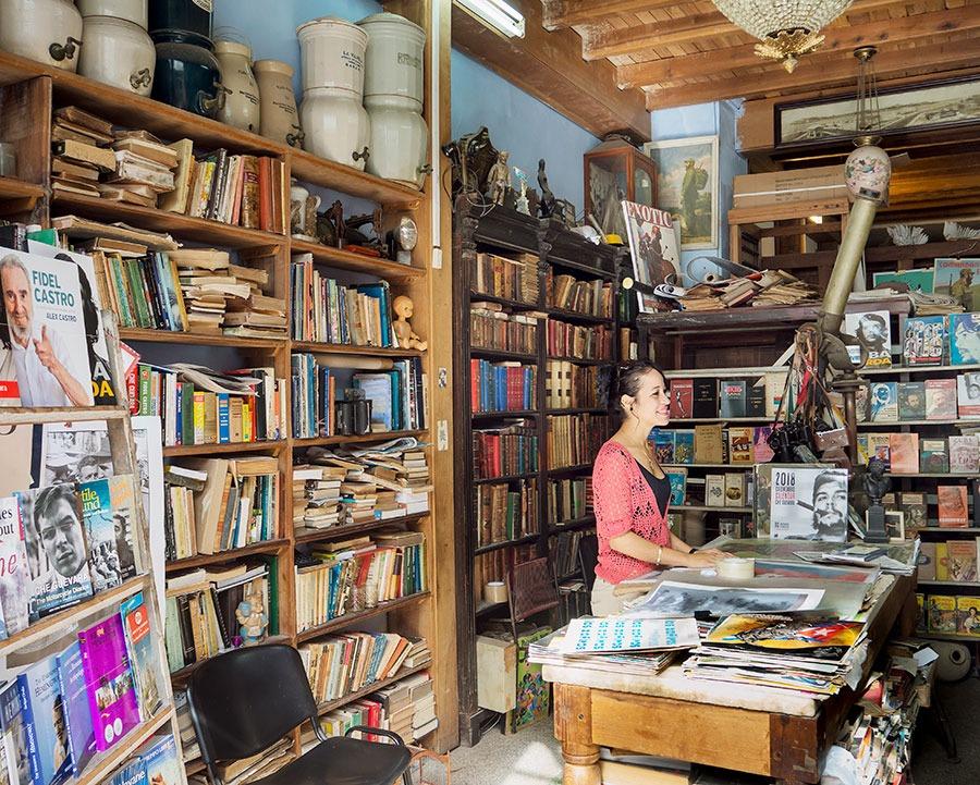 Una antigua librería donde se vende casi de todo y además libros