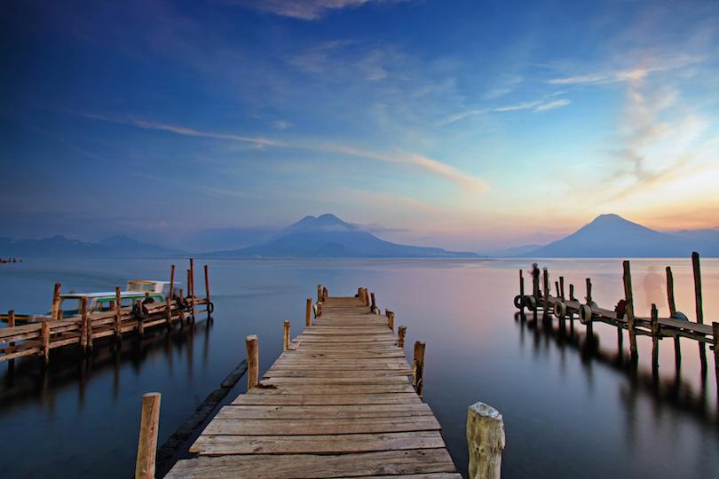 Atardecer en Panajachel en el lago Atitlan