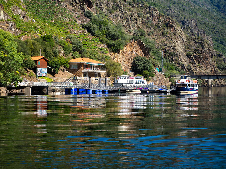 Embarcadero en el río Miño