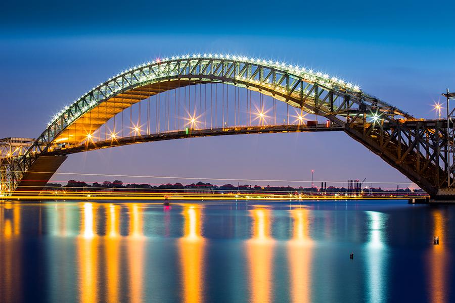 puente sobre el río Adour