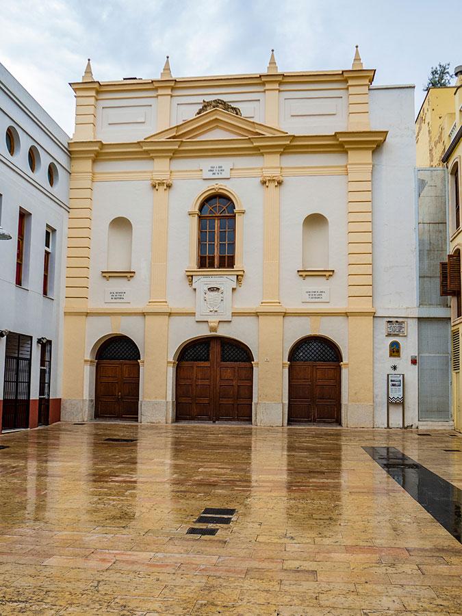 Fachada principal del Convento de San Roque en Gandía