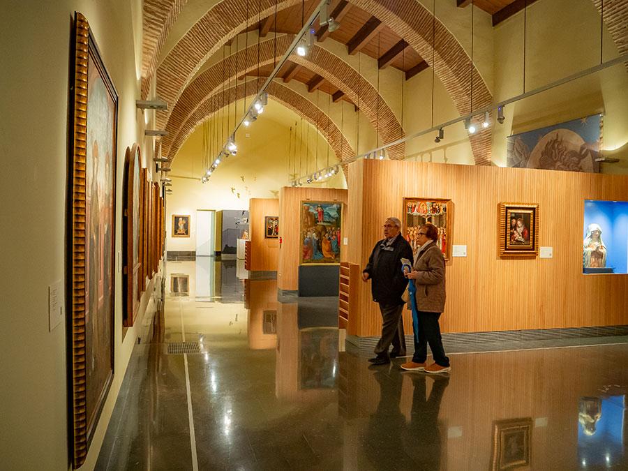 Museo De Santa Clara en el Hospital de San Marcos. También alberga el Museo Arqueológico (MAGA)