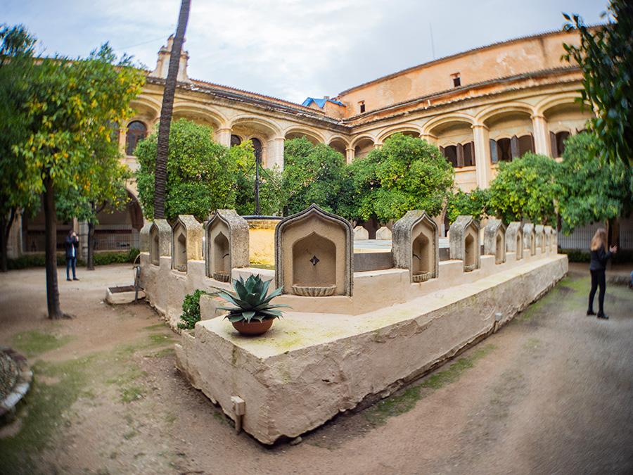 Claustro del Real Monasterio de San Gerónimo de Cotalba