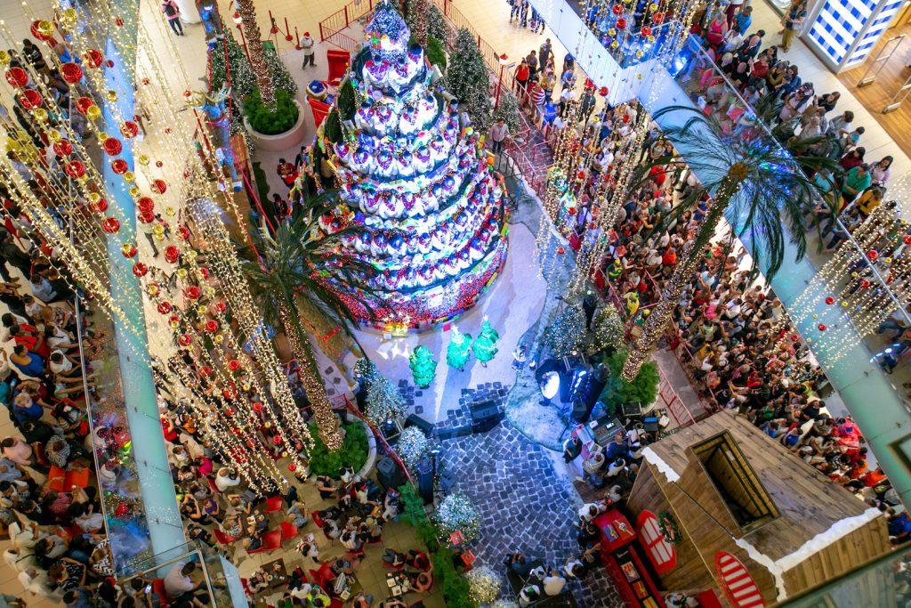 Navidad en la Rep. Dominicana Árbol humano de Ágora-Mall
