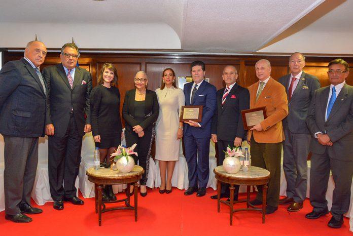 Miembros de La Academia Dominicana de Gastronomía en su presentación en Madrid