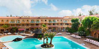 Piscina principal del Hotel Elba Lucía