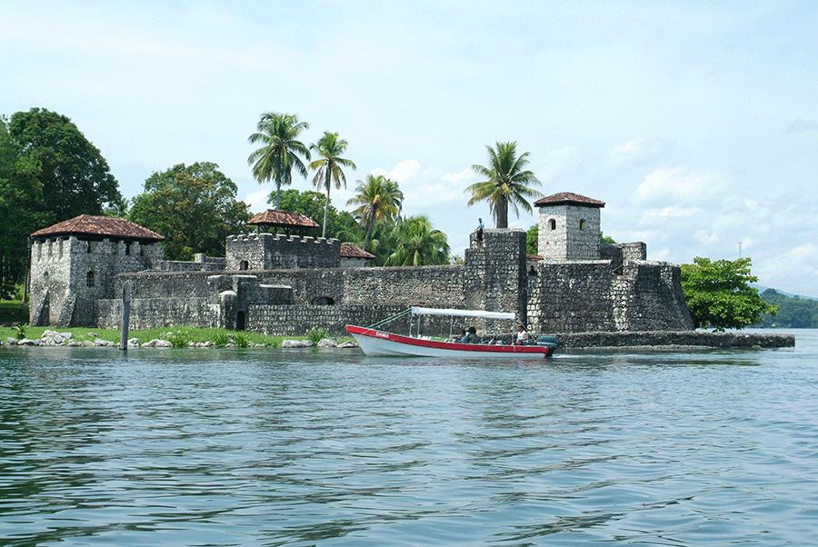 castillo-san-felipe-izabal_GUATEMALA