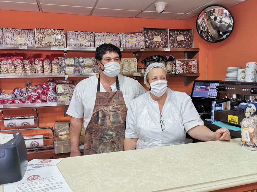 Rosa y José Antonio, almas de la dulcería Nublo