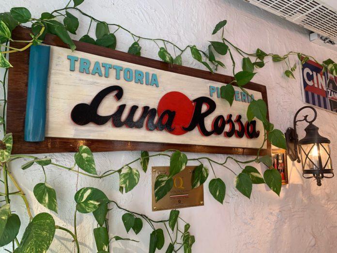 Entrada restaurante Luna Rossa
