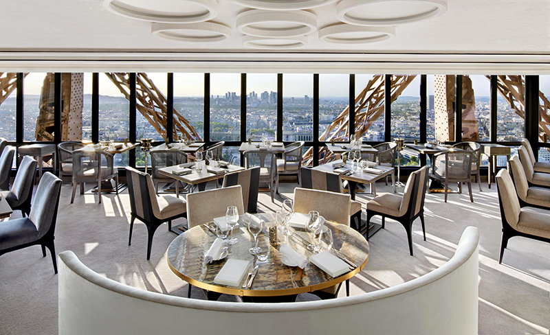 Restaurante Jules Verne.